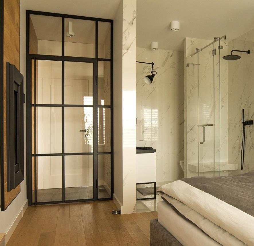 Glastür und Schiebetür für Ihr Bad