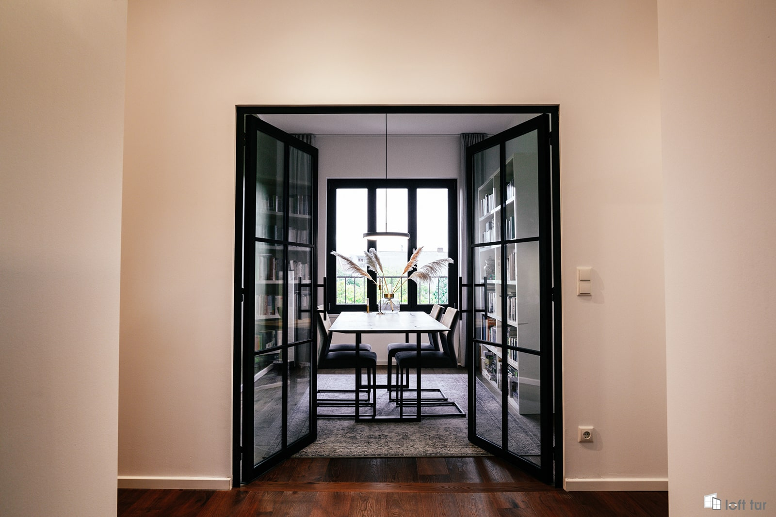 Doppeltür im Loft Stil