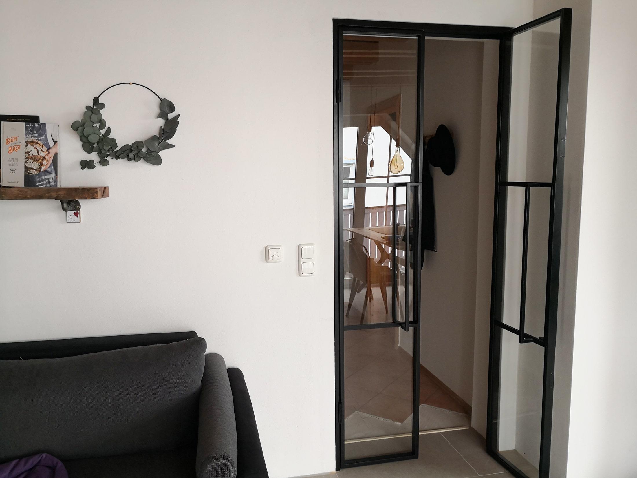 Kleine Doppel Loft Tür