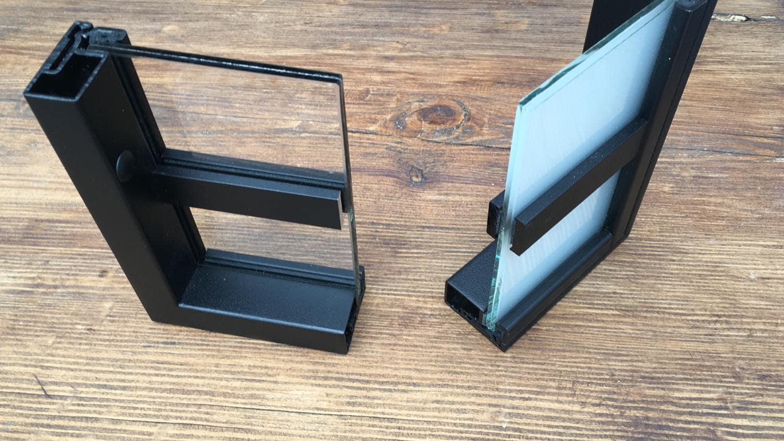 Klarglas und Milchglas Türprofil